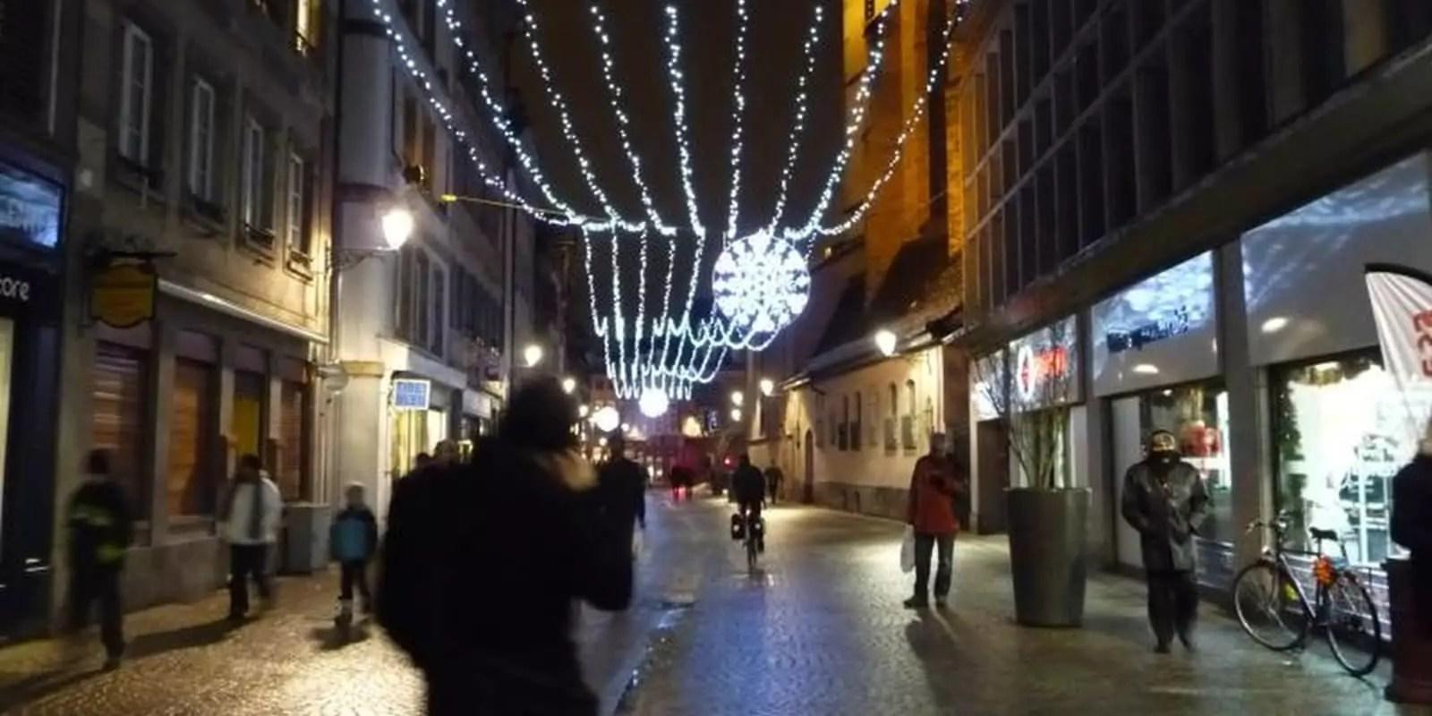 La Grand'Rue privée d'une partie de ses illuminations de Noël