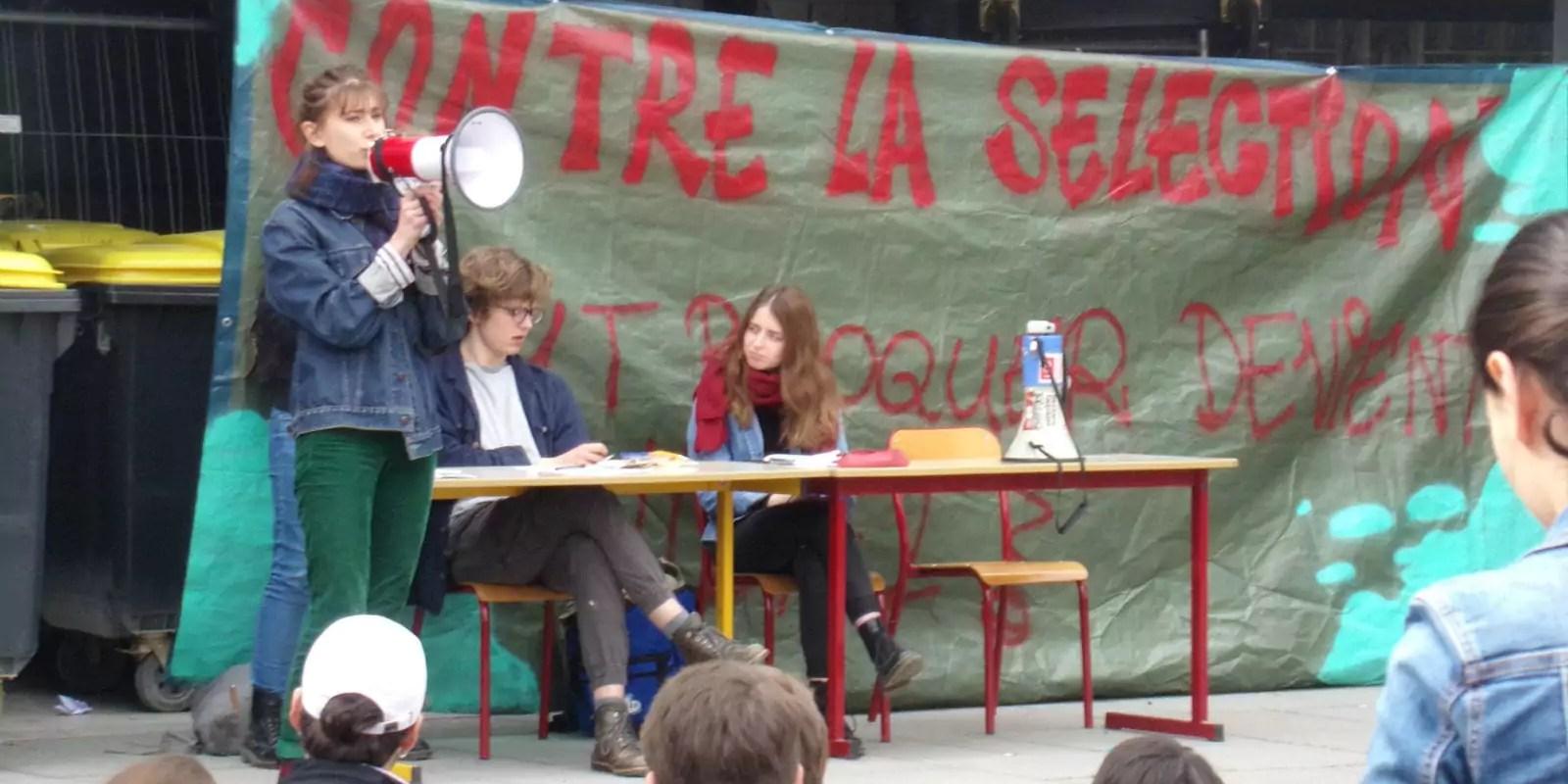 À l'assemblée générale du Patio : poursuite du blocus et barbecue solidaire