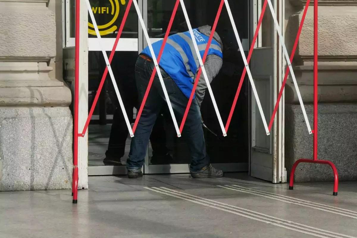 Manque de masques, risque de chômage et absence de prime: les agents d'entretien triment