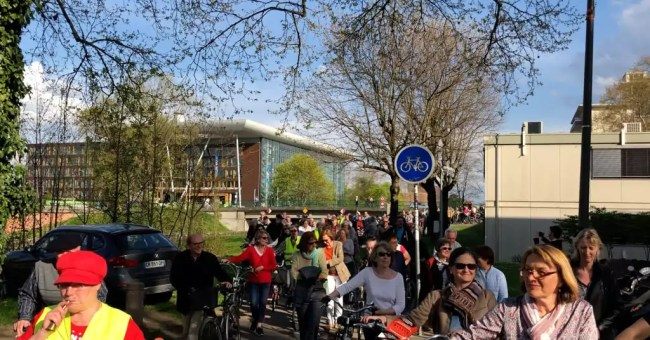 Les cyclistes se sont faits voir et entendre (Photo EJ / Blog Robertsau)