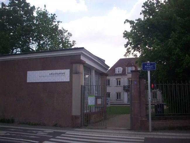 Pour les strasbourgeois et touristes, il peut être intimidant de pénétrer le lieu (Photo DL/Rue 89 Strasbourg/cc)
