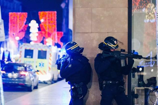 Les policiers se sont déployés très rapidement après l'incident (Photo Abdeslam Mirdass)