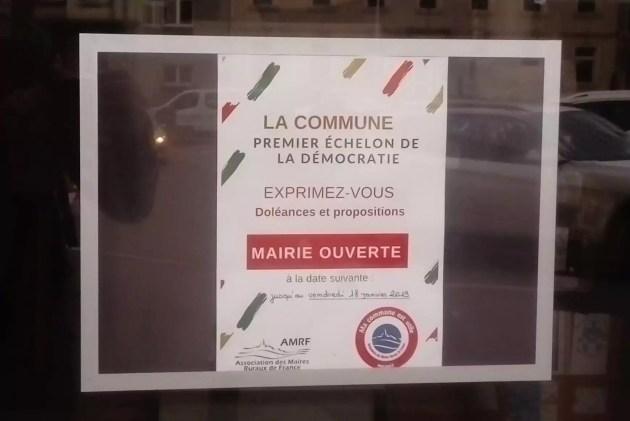 Affiche mairie ouverte à Soultz.