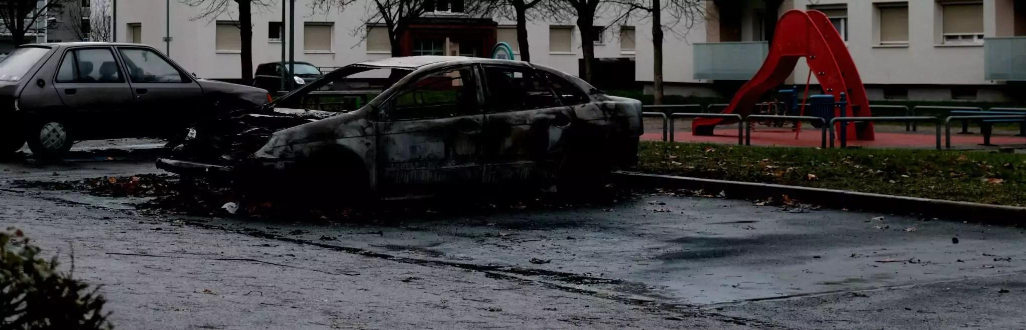 Voitures brûlées, témoins agressés… La cité de l'Ill a craqué