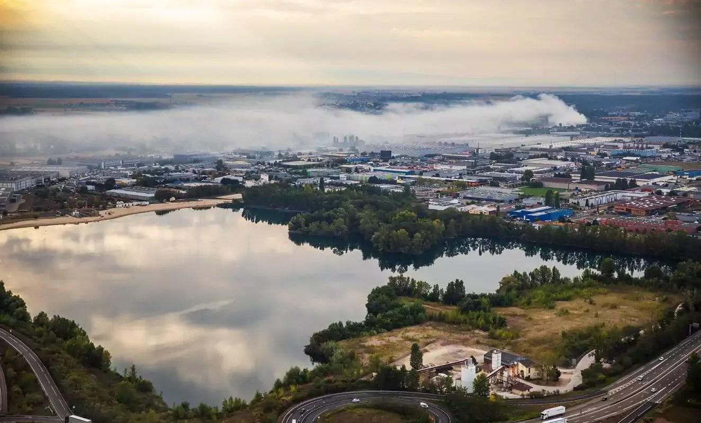 À Colmar, l'incendie de 3000 tonnes de déchets n'inquiète personne