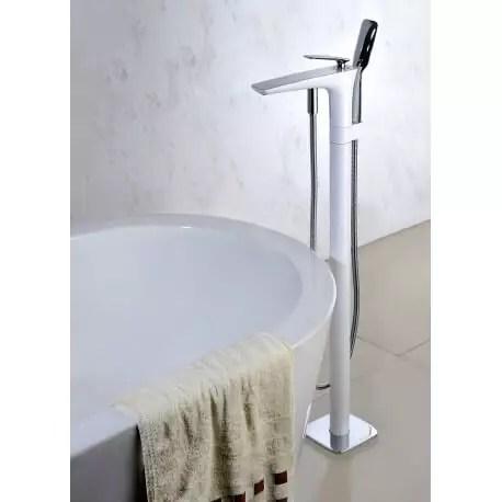 robinet mitigeur de baignoire au sol chrome blanc concep t