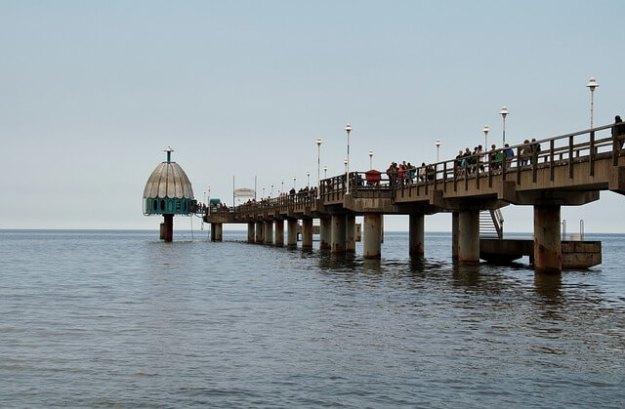 Die Seebrücke von Zinnowitz auf der Insel Usedom kann man bei fast jedem Wetter besuchen.