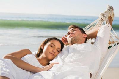 أسباب علمية حقيقية تبين أكثر مكان يحبه الرجل في جسد زوجته