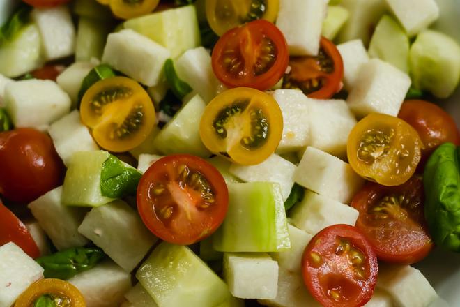 jicama tomato cucumber salad