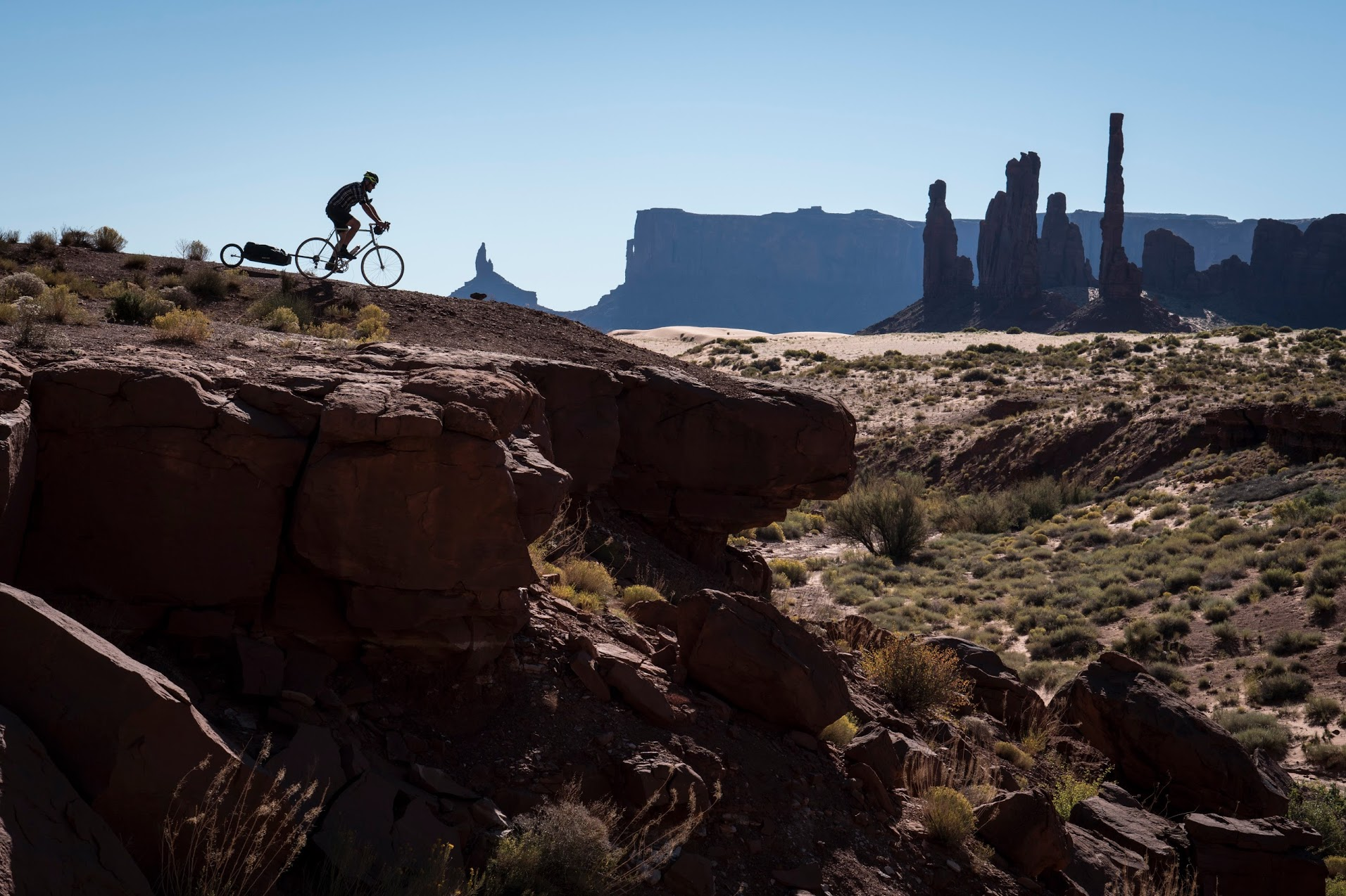 riding-monument-valley