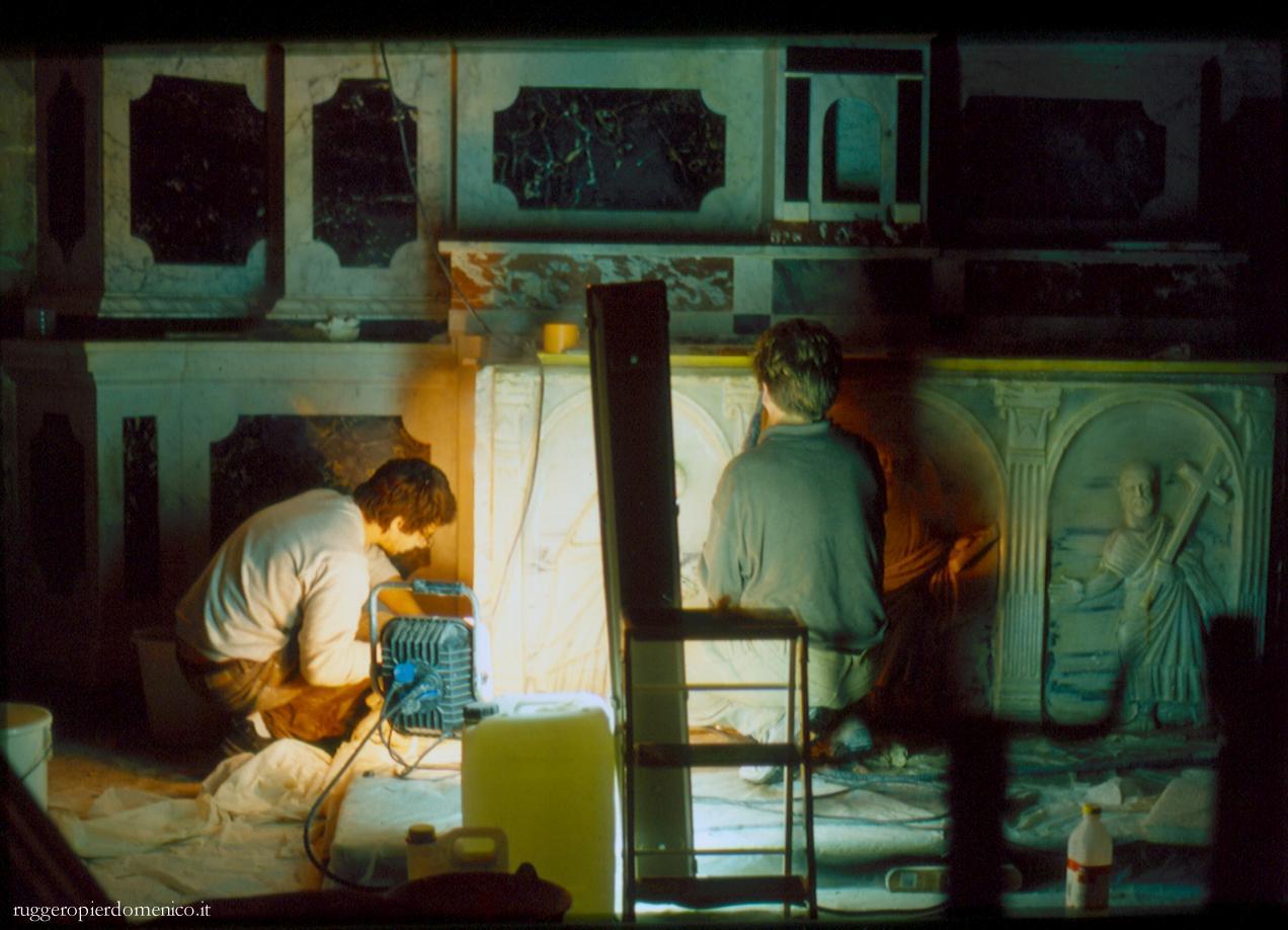 S.Trophime , ARLES   - I restauri dei bassorilievi