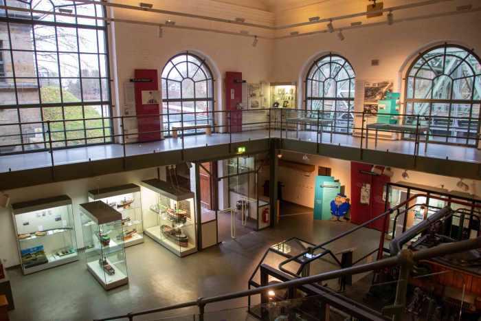 Auch obere Ausstellung