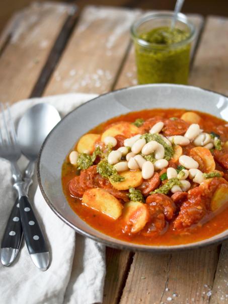Rezept für Spanische Bohnensuppe mit Chorizo und Kartoffeln
