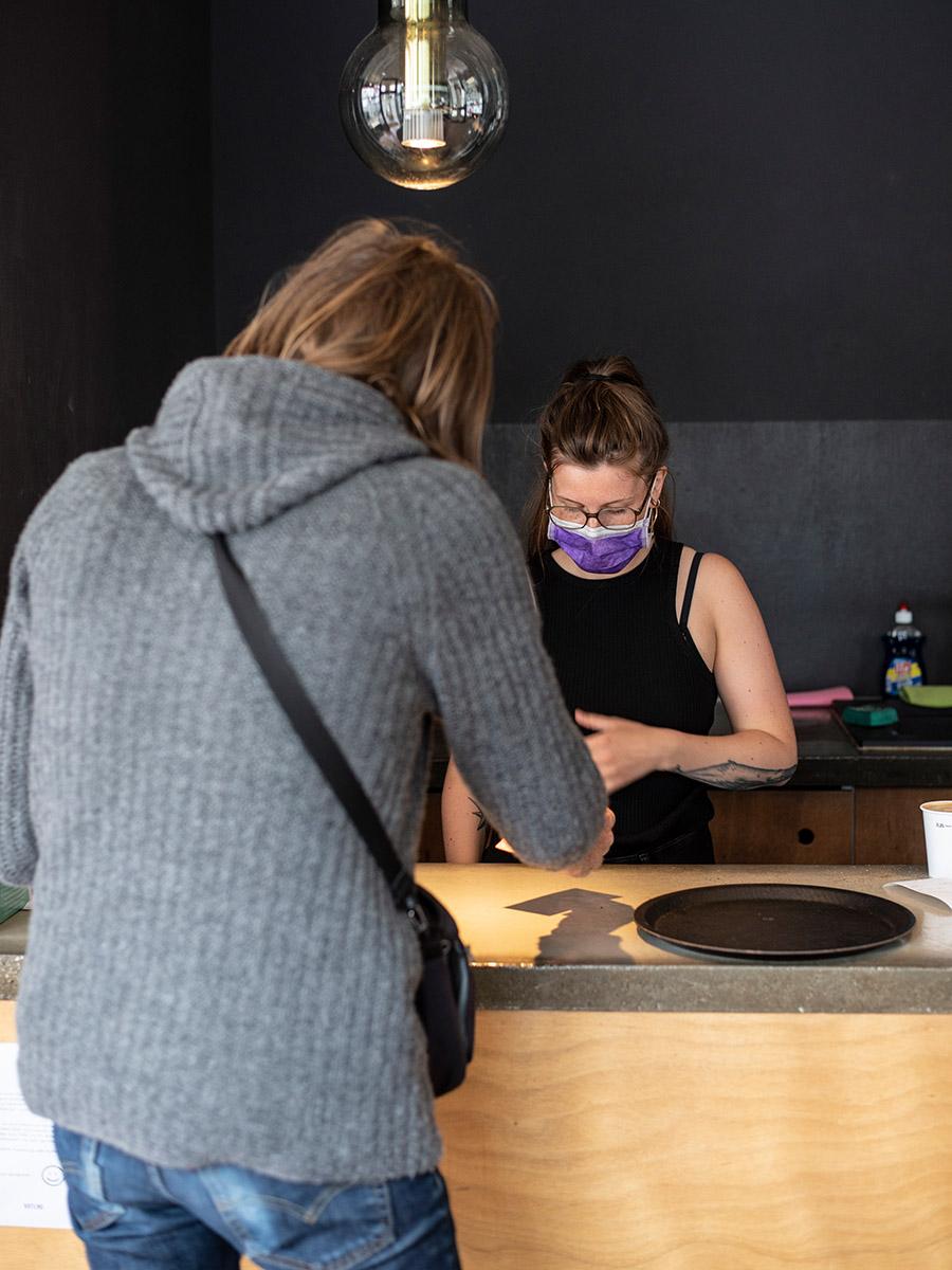 Krtlnd (Kortland), minimalistisches Café in Bochum