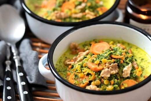 Veganes Grünkohl-Curry mit roten Linsen