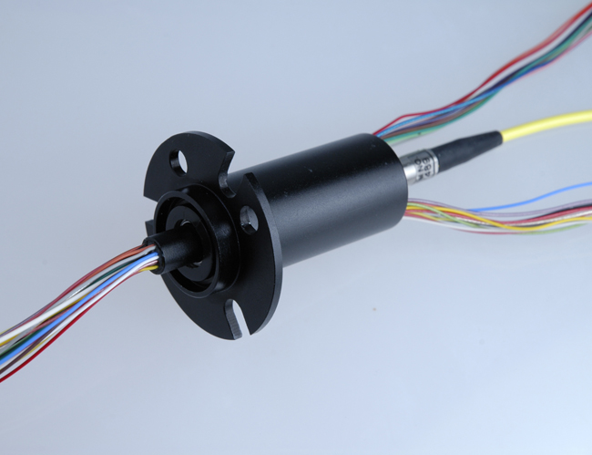 Fiber optics slip rings