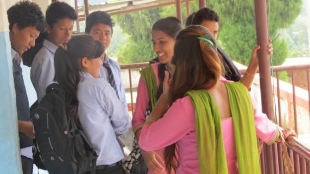 Ruku_DIdi_intereacting_with_students_of_Arunodaya_School