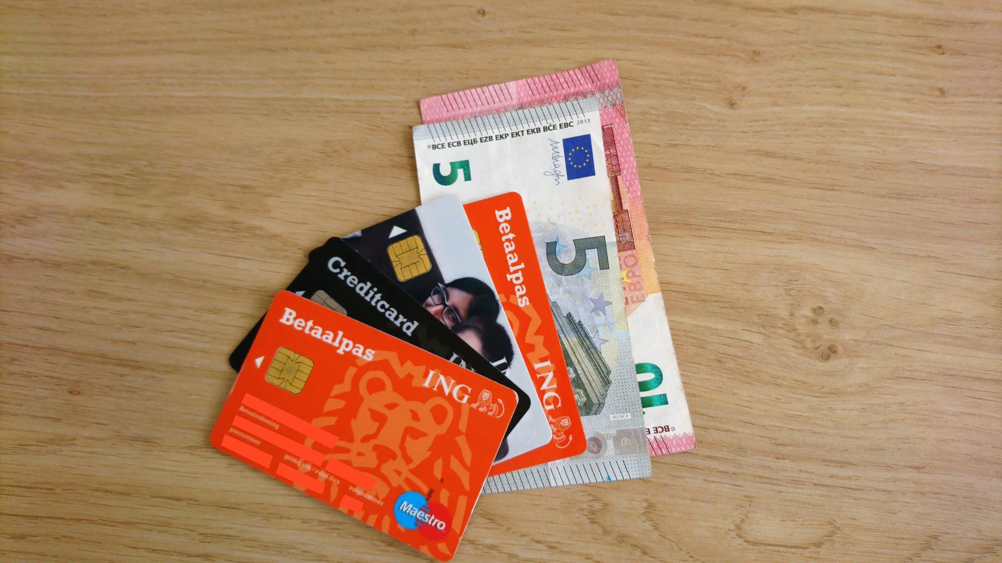 Bankpassen en geld