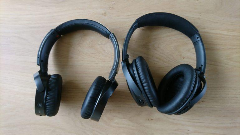 Links de Sony MDR-XB650BT en rechts de Bose QuietComfort 35 Wireless II.