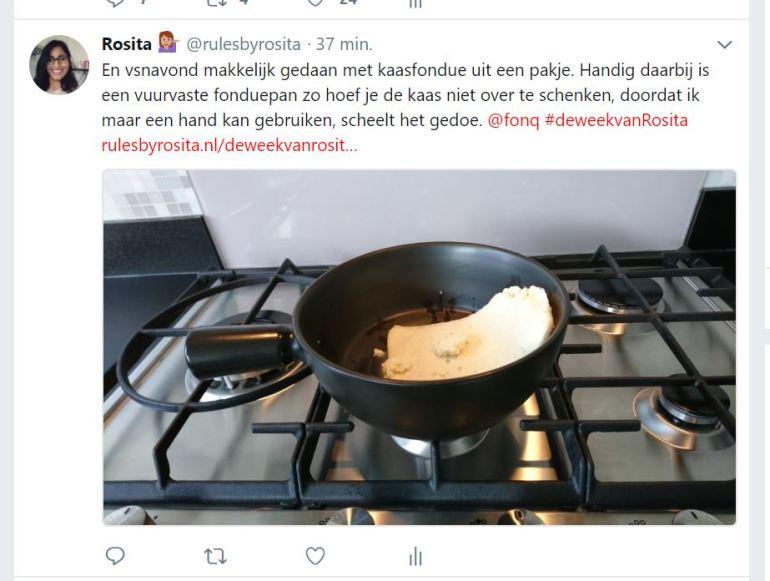 En vanavond makkelijk gedaan met kaasfondue uit een pakje. Handig daarbij is een vuurvaste fonduepan zo hoef je de kaas niet over te schenken, doordat ik maar een hand kan gebruiken, scheelt het gedoe.