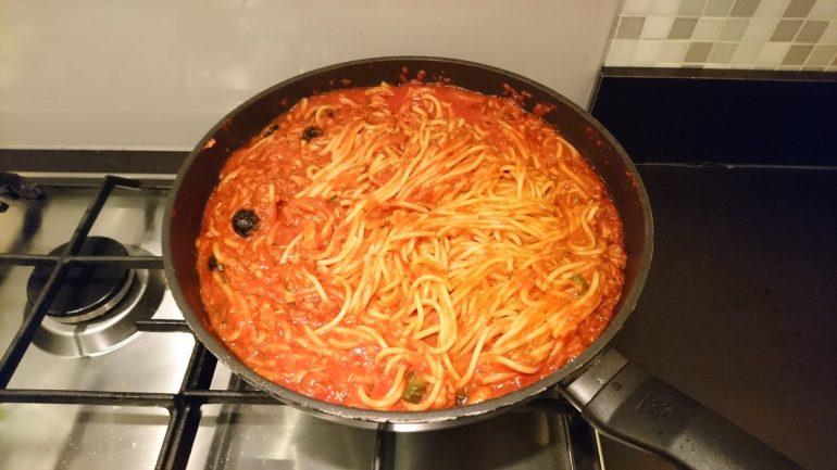 Spaghetti Puttanesca van Jamie Oliver