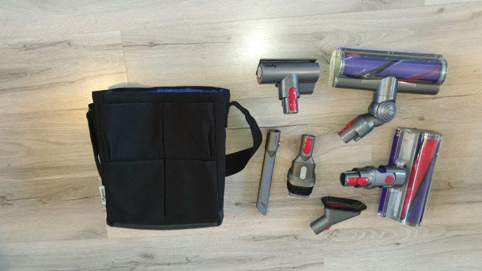 De accessoires en de tas voor  accessoires, die ik apart heb gekocht.