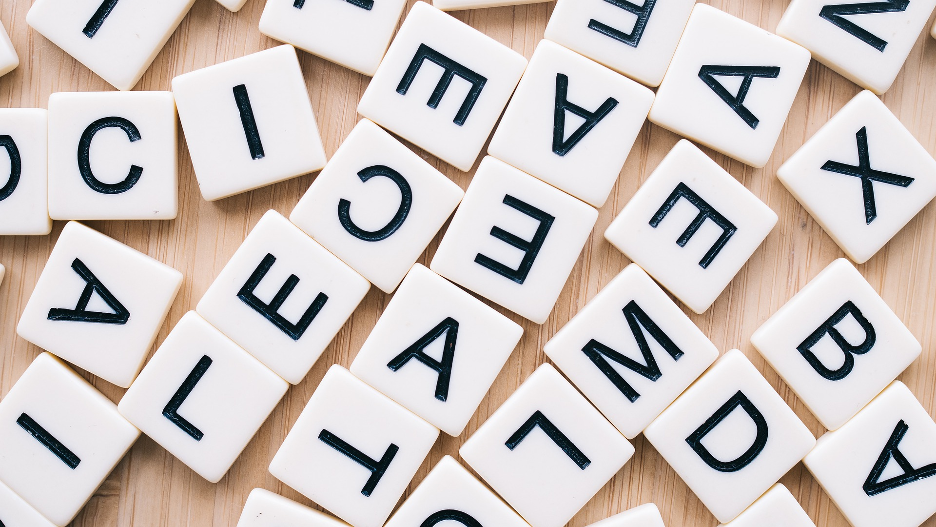 Chaos van Scrabble letters