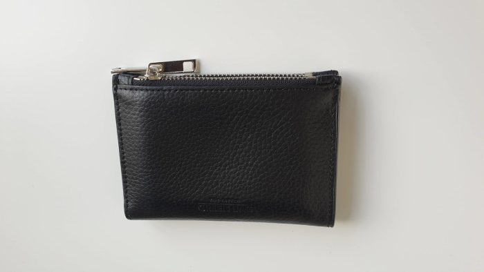 De portemonnee, die ik via Vinted heb verkocht.