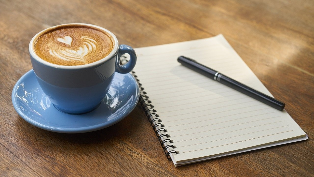 koffiedrinken en een lijstje maken als ochtendroutine