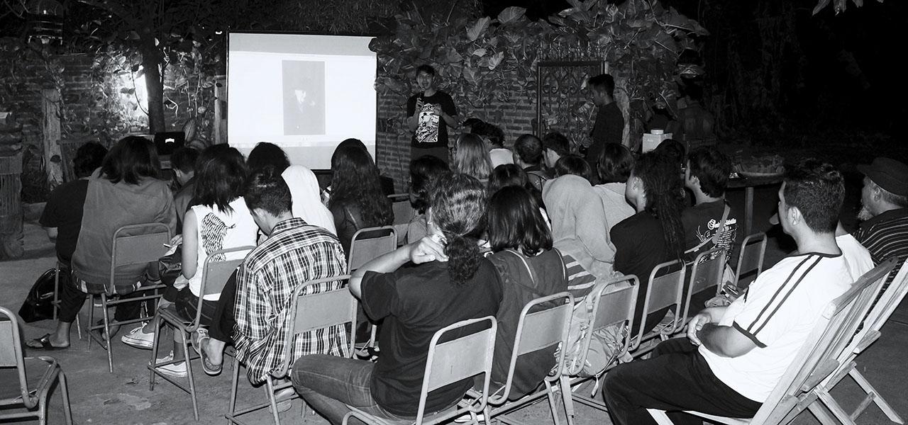 Presentasi Sejarah Museum Rumah Kartini Japara bersama rombongan ISI Jogja