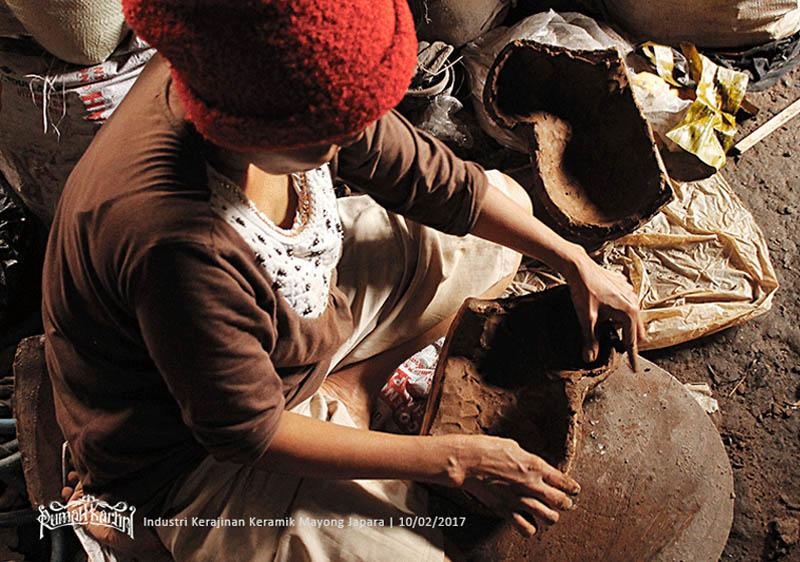 industri-kerajinan-Cetakan-keramik-Mayong-Jepara,-Rumah-kartini