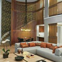 Rumah mewah dengan void dan tangga yang tinggi bisa menjadi inspirasi untuk membangun rumah anda .  Jangan lupa like dan comment biar kami tau apa yang anda suka design apa