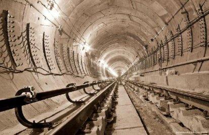 Subway Tunnel, Kiev, Ukraine (1)