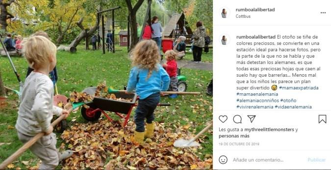 niños jugando mientras aprenden alemán