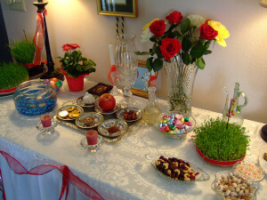 伊朗新年七寶餐桌(攝影/Greg Dunlap_flickr. C.C.License)https://flic.kr/p/6ikgkR