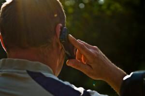 手機電磁波會致癌