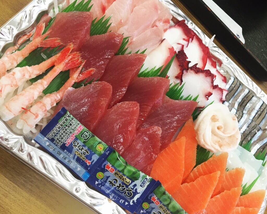 泡瀨漁港生魚片