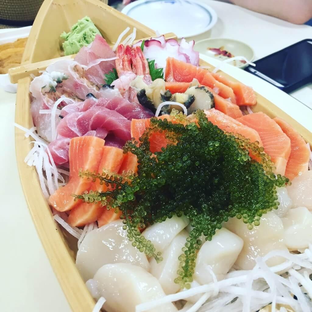 第一牧志公設市場的生魚片拼盤