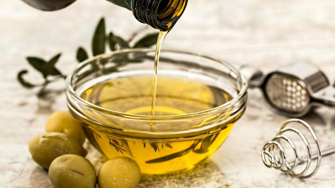 多數人吃的油是「化學油」是網路謠言。(圖片來源:https://pixabay.com)