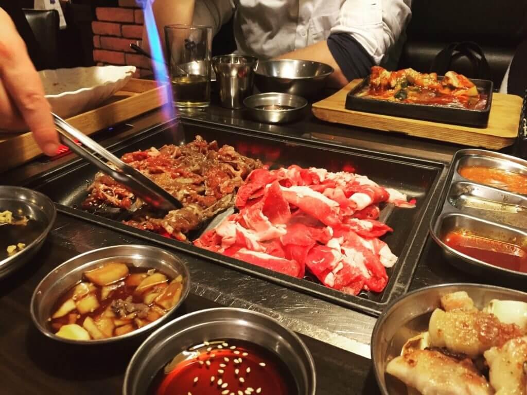 Soban소반小班韓式料理特調醬料烤牛肉、牛胸肉。(圖/吐司客拍攝)