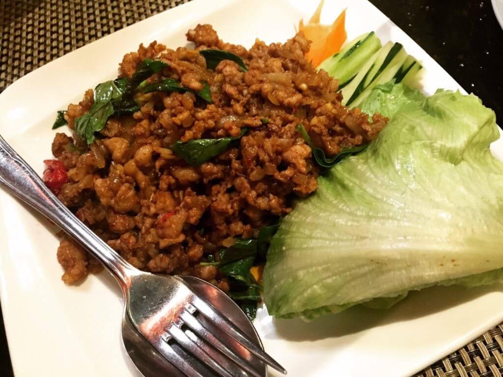暹廚泰式料理餐廳辣炒豬肉。(圖/吐司客拍攝)