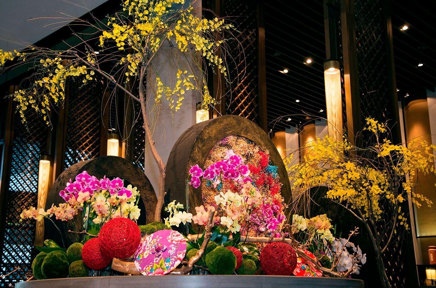 「戊戌春遊」蘭花布置於春節假期持續展出,歡迎民眾春遊到府城,共同感受新春喜悅! (圖/台南晶英酒店提供)
