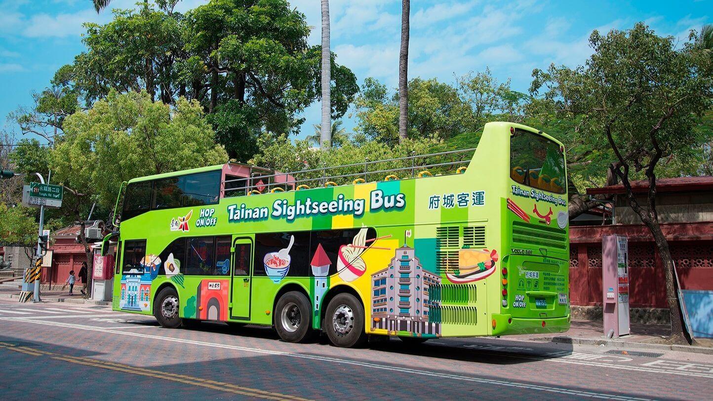 「台南雙層巴士-好市乘雙」觀光巴士。(圖片/台南晶英酒店提供)