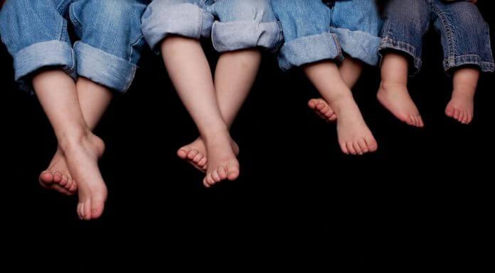 腳後跟乾裂疼痛難忍 ,塗芥末、醋、麵粉可以治療嗎?內容農場騙很大!(圖片來源:https://pixabay.com)
