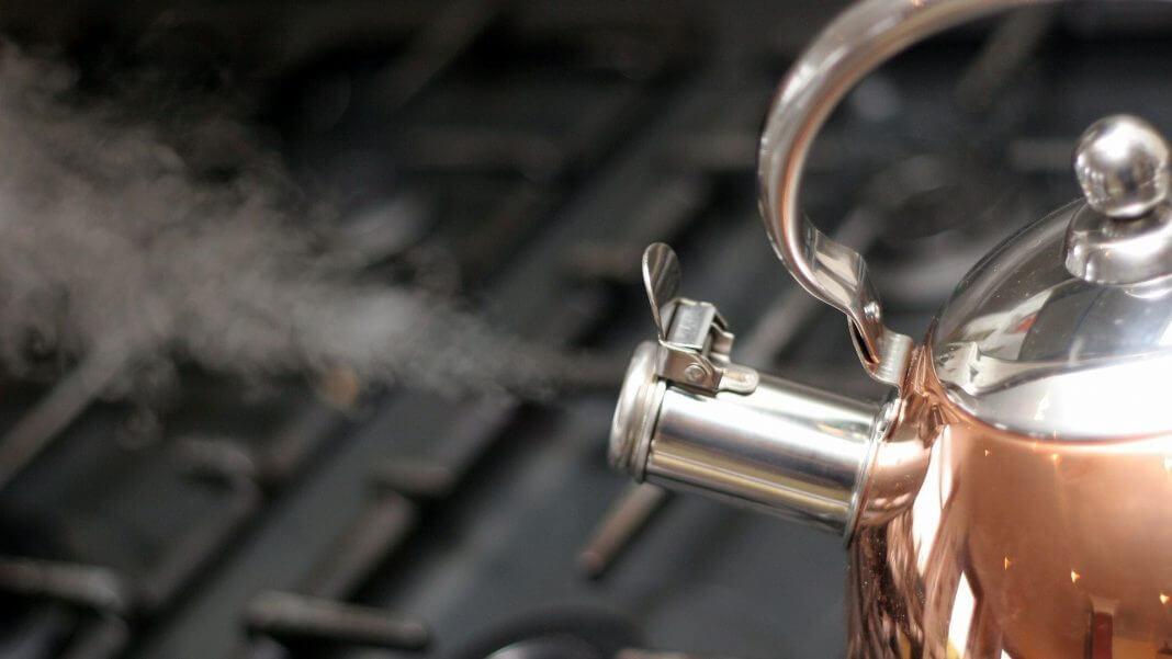 反覆燒開會造成水的老化 ,產生亞硝酸鹽有害健康?千滾水有那麼糟嗎?(圖片來源:https://pixabay.com)