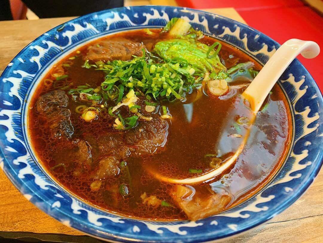 紅燒半筋半肉麵(圖/吐司客拍攝)