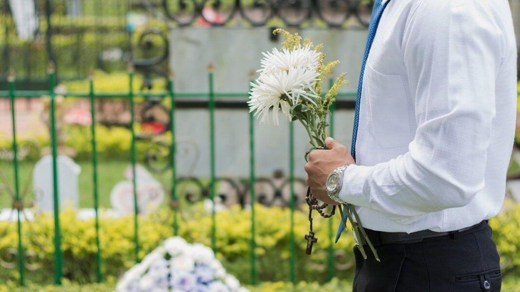 新北市政府實施聯合公奠已20年了 ?沒有那麼多年啦,但聯合奠祭是真的!(圖片來源:https://pixabay.com)
