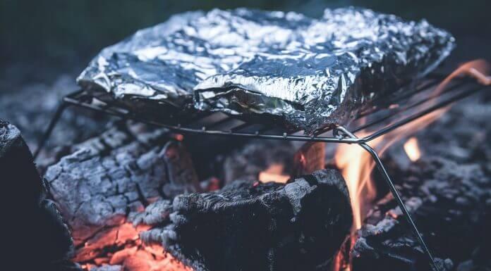 鋁箔紙造成食物中含鋁,是 老人癡呆症、阿茲海默症的元兇 ?相同謠言梗用不膩!(圖片來源:https://pixabay.com)