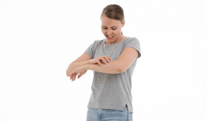 皮膚紅腫癢到不行!「 蕁麻疹 」不請自來,該怎麼辦呢?(圖片來源:https://pixabay.com)