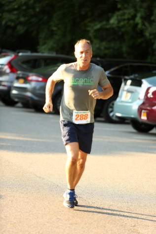 031 - Guess Your Time 2.5 Miler 2017 Photo by Jack Brennan - (IMGL0610)